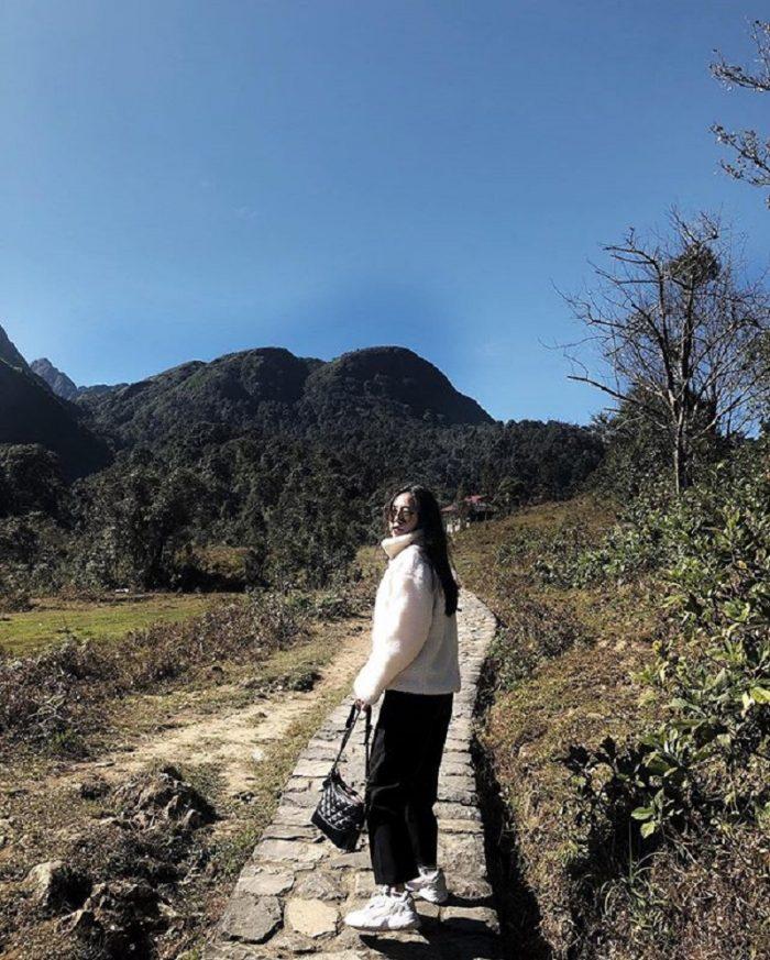 đường đi vào thác Tình yêu Sapa