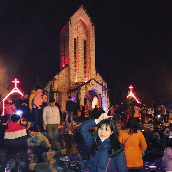 nhà thờ đá Sapa buổi tối