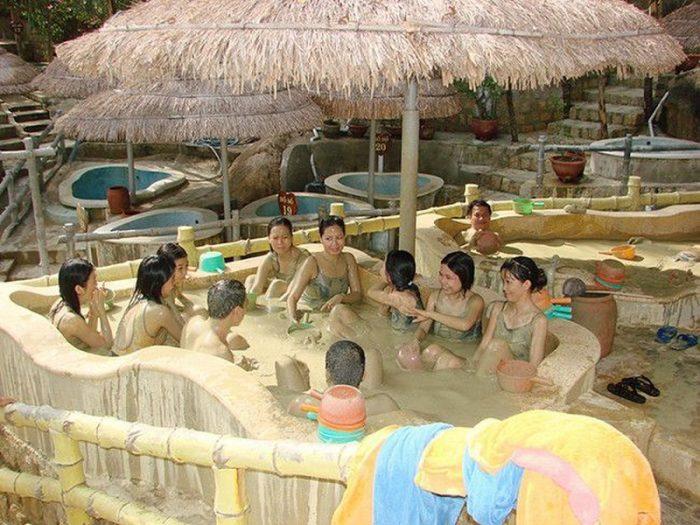 tắm bùn khoáng ở Vĩnh Hảo